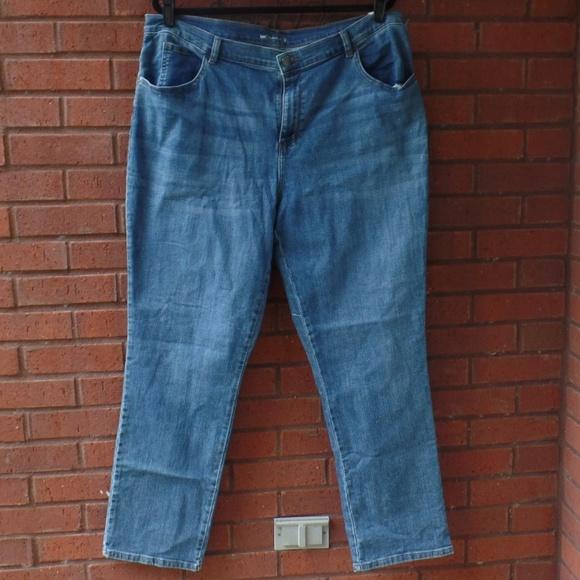 2565a0c3 Lee Jeans | Relaxed Fit Denim Plus 20w Medium Wash | Poshmark